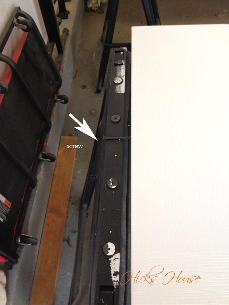 Top of the door with one screw