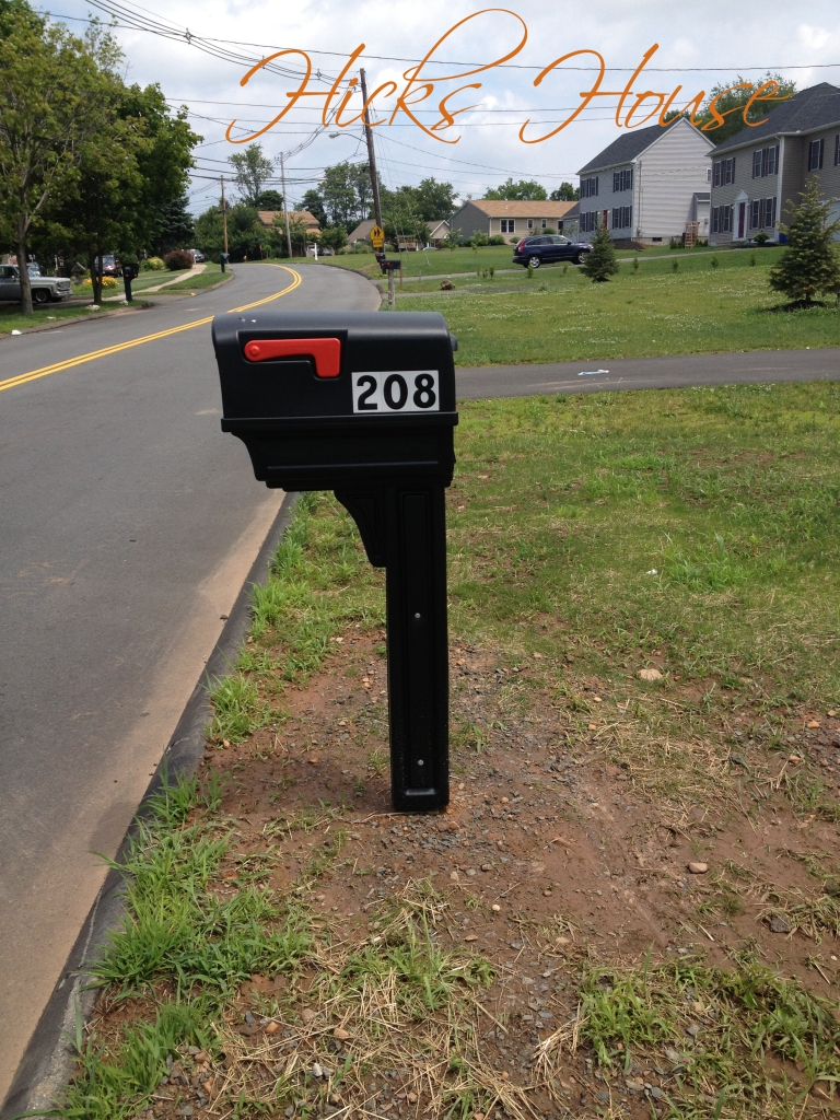 we have a mailbox!